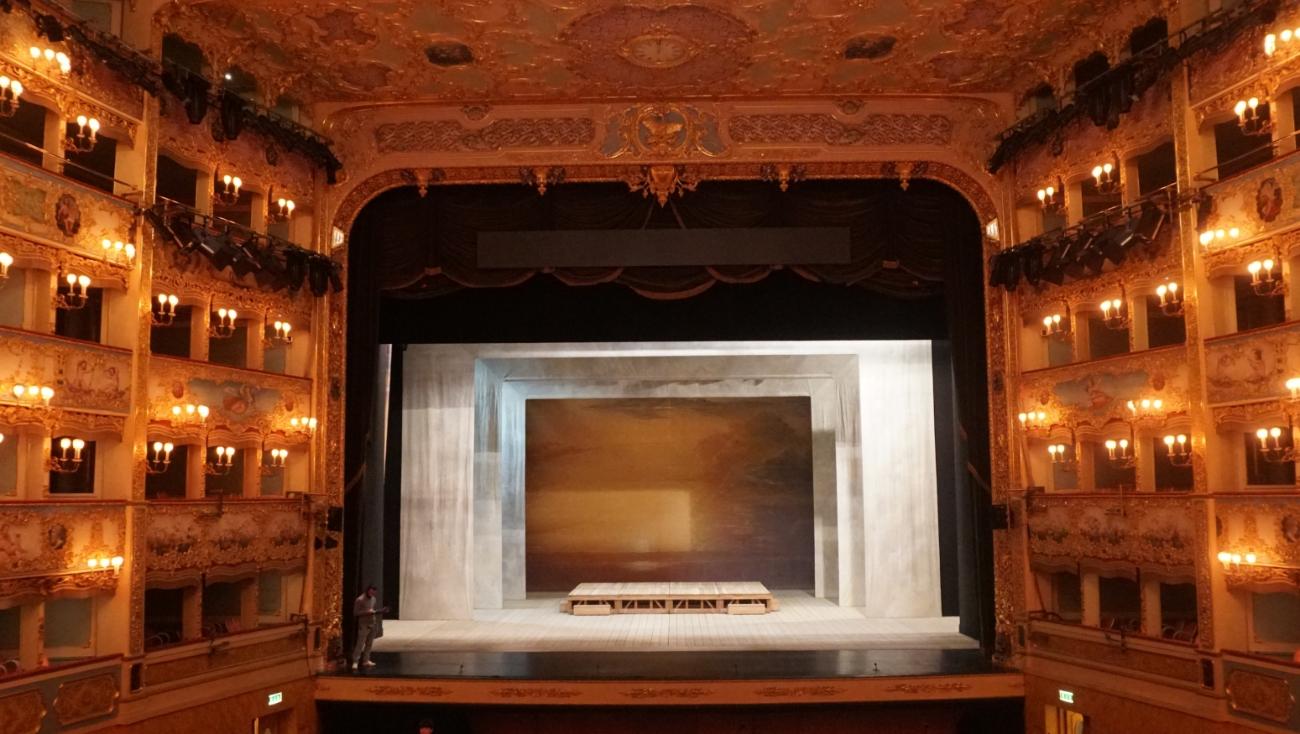 Премьеры в театрах Москвы