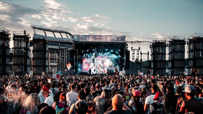 «Би-2» и Баста выступят на LiveFest Summer-2021