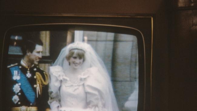 Вышел дебютный трейлер фильма «Спенсер: Тайна принцессы Дианы»