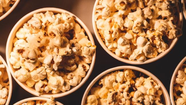 Премьеры недели в кино: «Круиз по джунглям», «Красотка на взводе» и другие