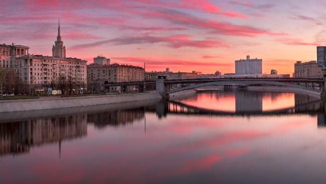 Речные прогулки в Москве: 5 интересных экскурсий