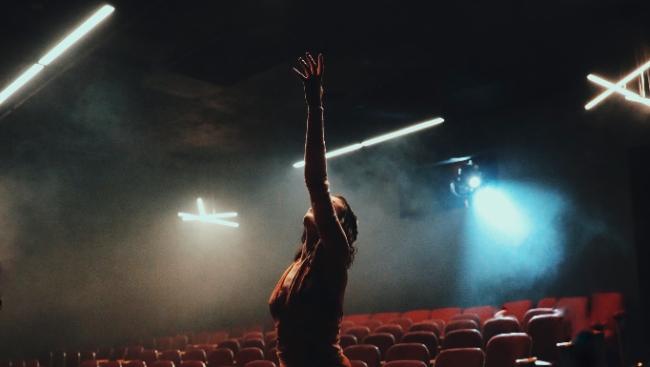 Вышел трейлер мюзикла «Аннетт» с Адамом Драйвером и Марион Котийяр