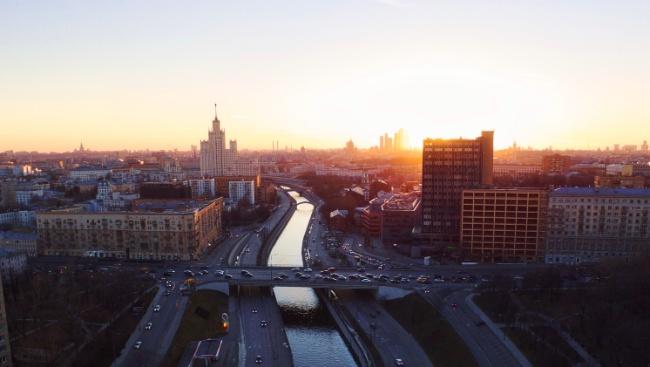В «Зарядье» пройдёт третья выставка современного искусства SOVRISK #напотоке
